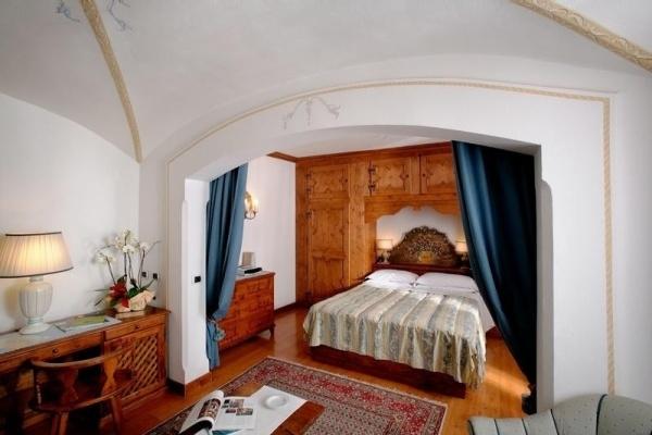 Hotel ancora cortina d ampezzo cortina d ampezzo for Hotel meuble royal cortina