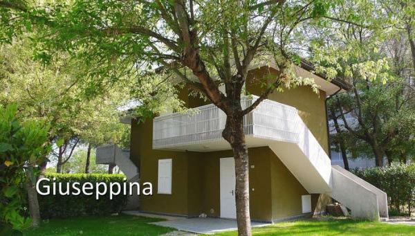GIUSEPPINA_BIBIONE_01.JPG