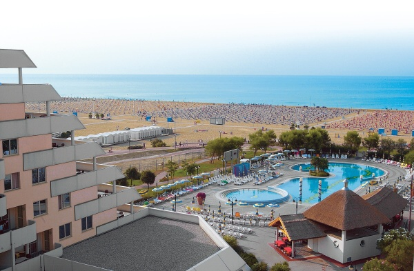 HOLIDAY_APTHTL_BIBIONE_03.JPG