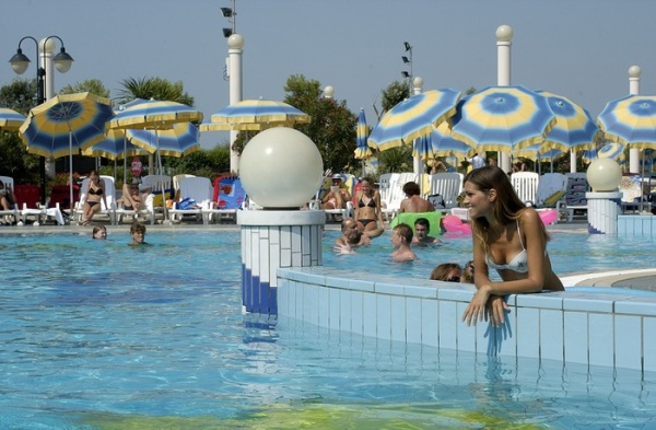 HOLIDAY_APTHTL_BIBIONE_07.JPG